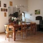 Binnen in het restaurant van hotel-camping sur Yonne